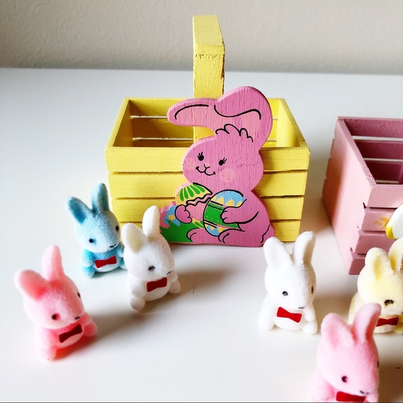 Bundle of 2 Mini Wooden Baskets & 9 Mini Bunnies